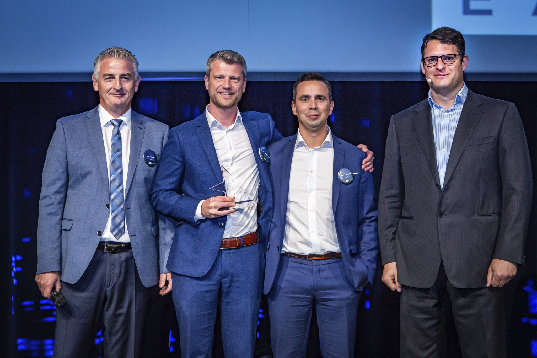 IBM honors EASI with the « IBM Systems Servers Solution » award
