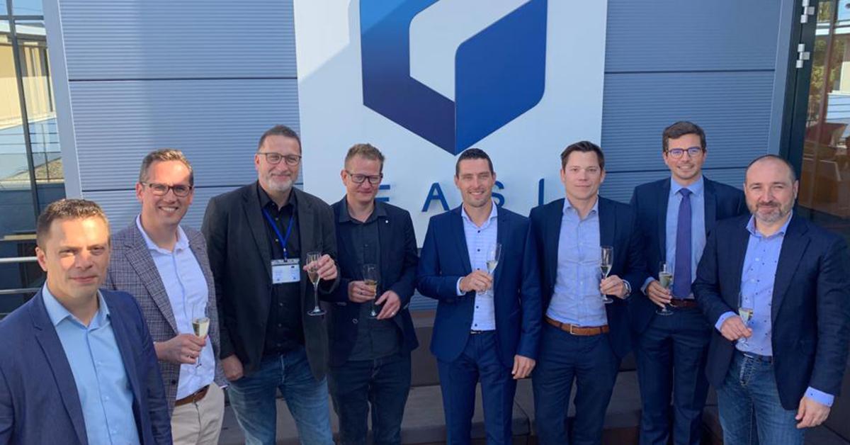 EASI start in Zwitserland en wordt aandeelhouder bij Soluware